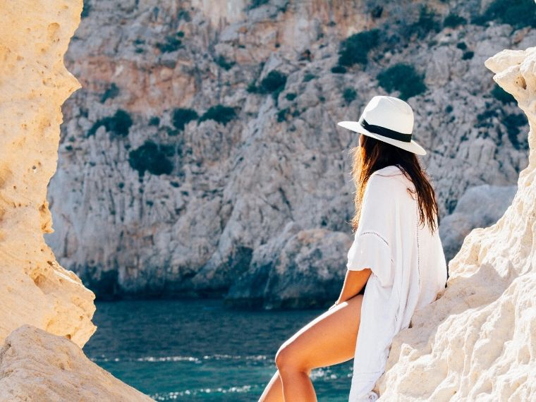 5 Female Travel Bloggers to Follow